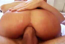 Młoda i gotowa na sex