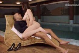 Jej pierwsza porno scena