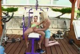 Lesbijki na siłowni
