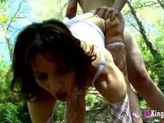 Zachciało jej się seksu w lesie