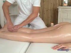 Delikatny i erotyczny masaż