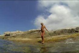 Masturbacja nad wodą