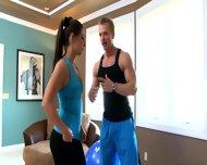 Hardkorowy trening z brunetką
