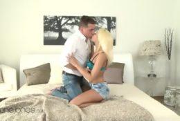 Seks z soczystą blondynką