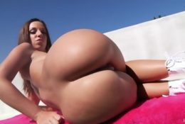 Jada Stevens uwielbia anal