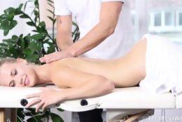 Odpłaciła się za dobry masaż
