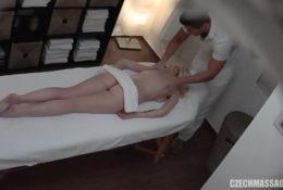 W końcu odwiedziła masażystę