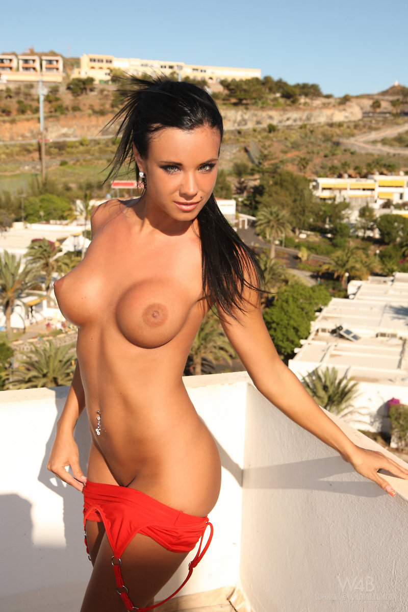 Ashley Bulgari (6)