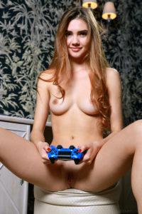 Dobra z niej gamerka